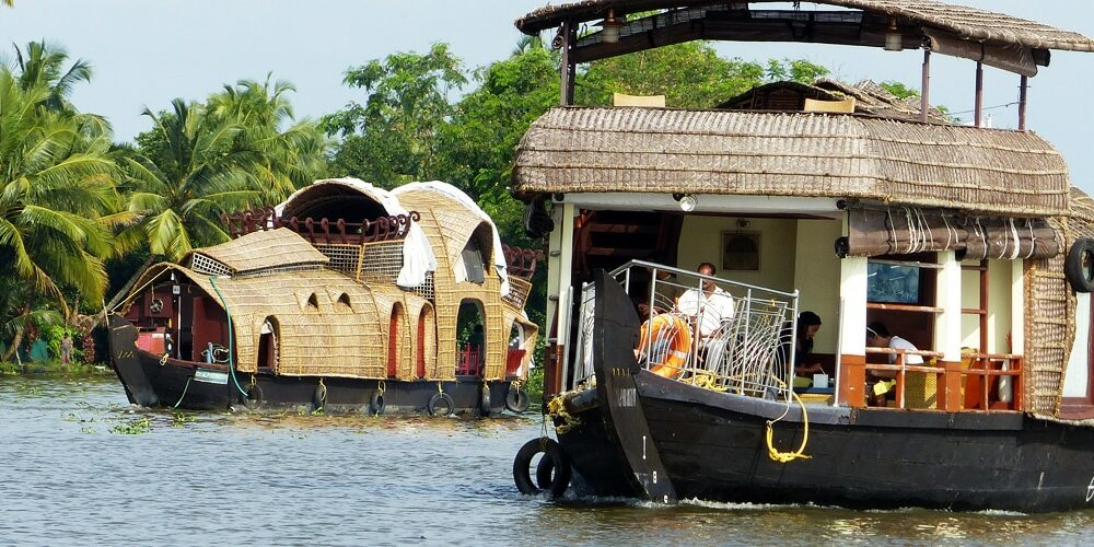 boat house kerala 1000x500 - Blog - Articles et Saveurs des Indes